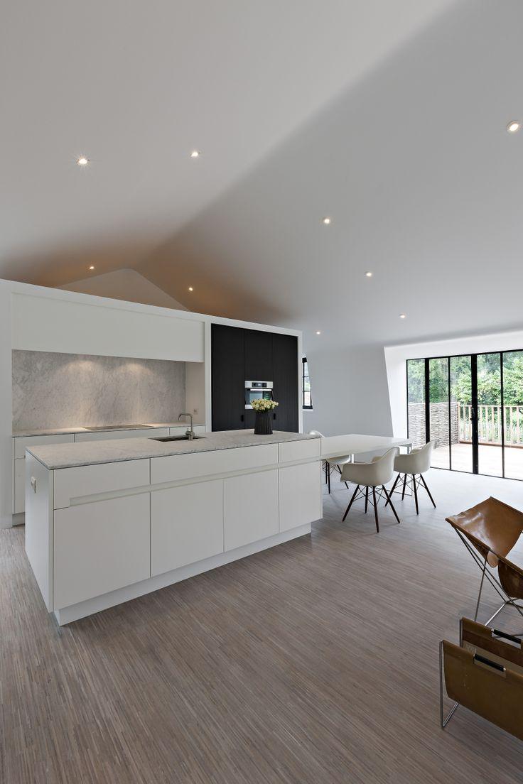 Six Gorgeous Modern Kitchens