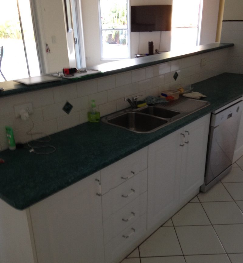 Before photos of the Gray's kitchen. Visit The Exlcusiv Kitchens Showroom in Capalaba for kitchen re